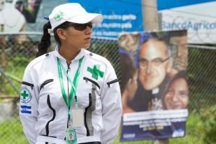 Fotografía de René Figueroa. Ceremonia de beatificación de Monseñor Oscar Arnulfo Romero, San Salvador, 23 de mayo de 2015.