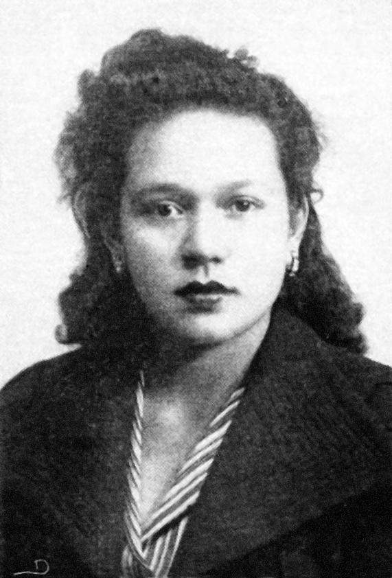 Pilar_Bolaños