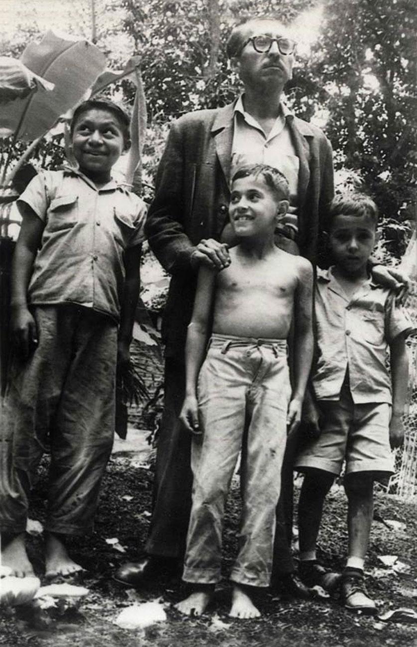 Oswaldo_Escobar_Velado-1958